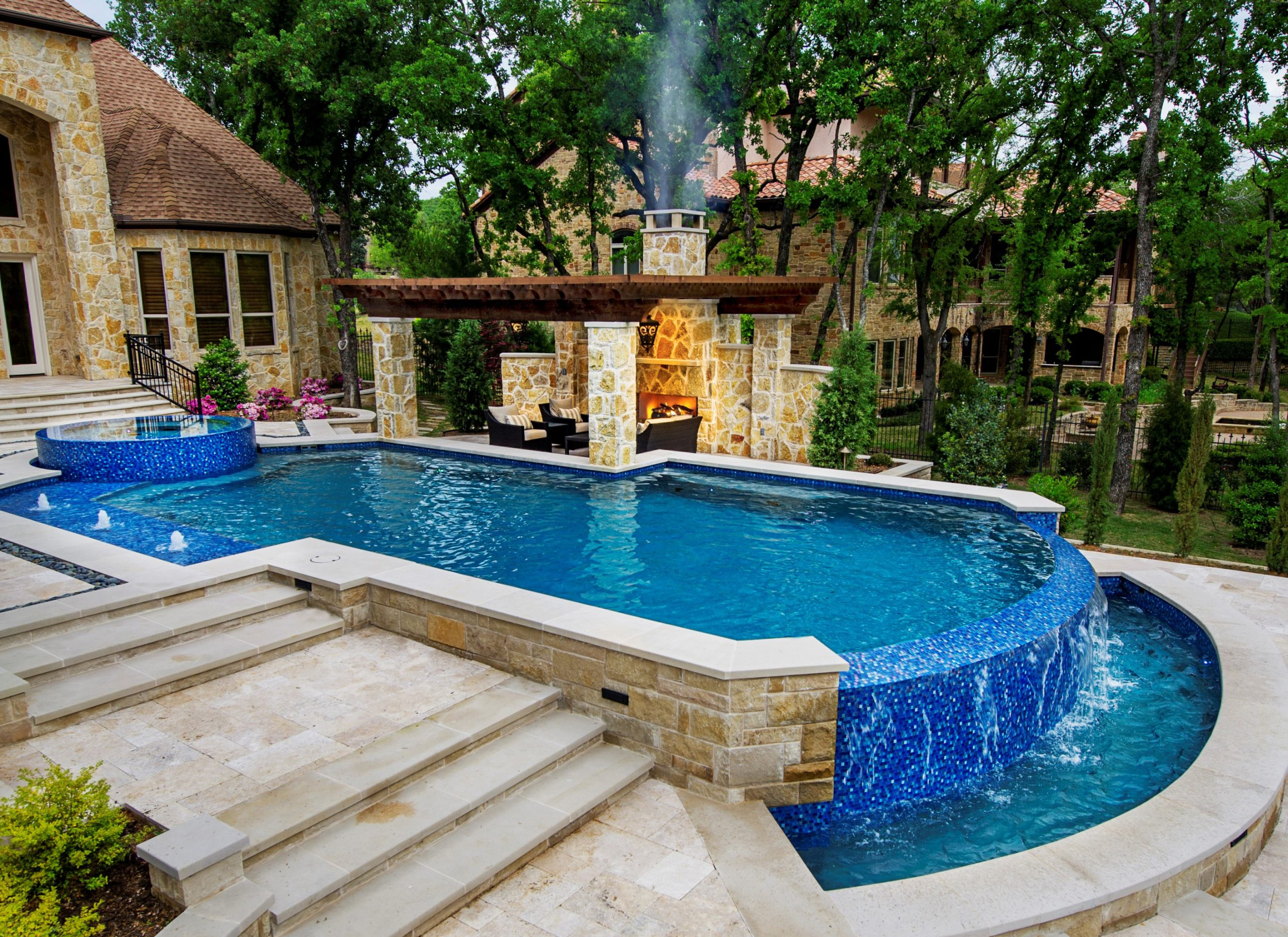 Meet debra smith of pulliam pools in fort worth voyage for Pool design images